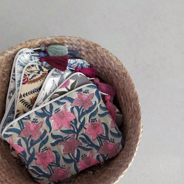 QUILTED BLOCK PRINTED EVERYDAY POUCH_2