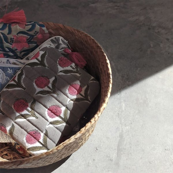 QUILTED BLOCK PRINTED EVERYDAY POUCH_5