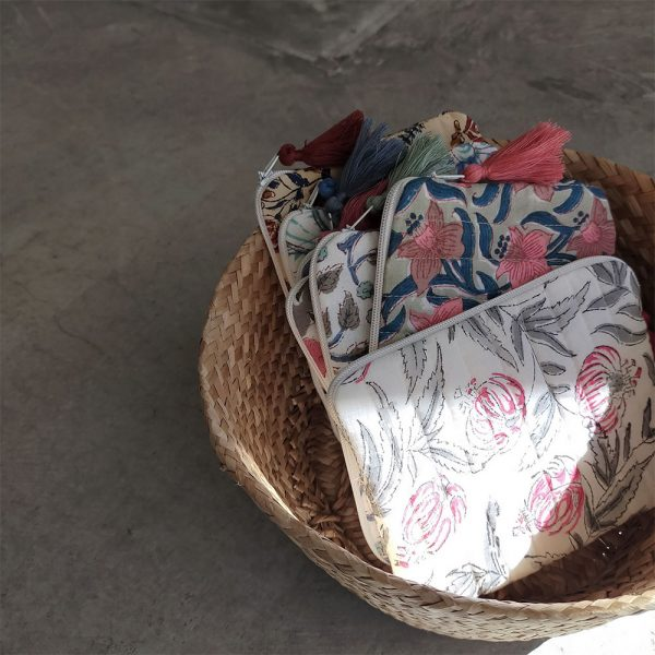 QUILTED BLOCK PRINTED EVERYDAY POUCH_6