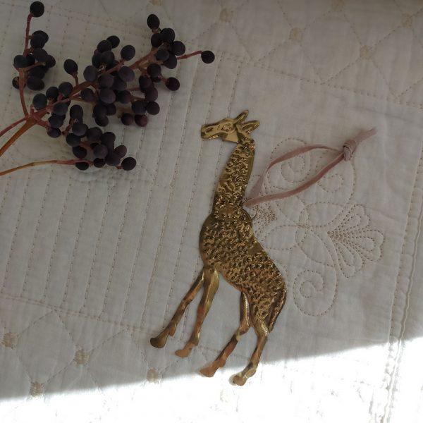 brass-decor-ornament-giraffe-1